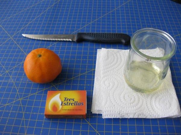 ;ateriales para hacer la lámpara de aceite con una naranja