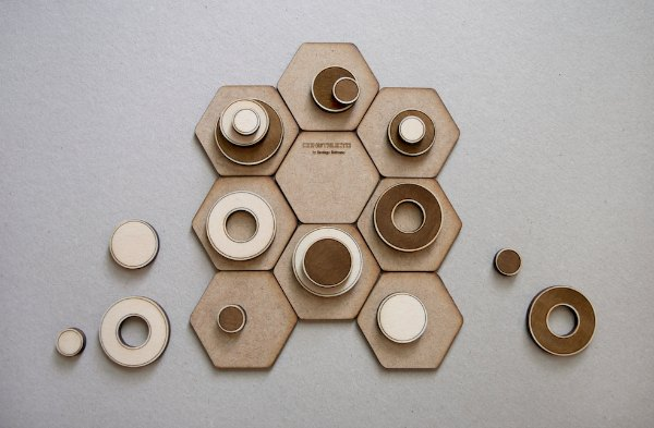 Constructo tablero y piezas para makers