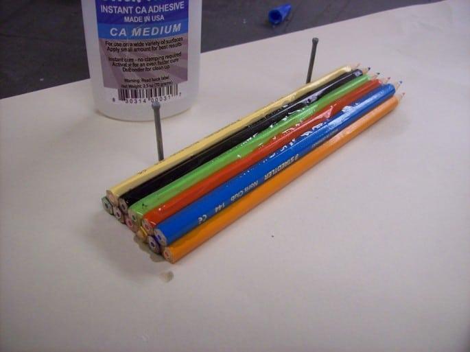 Lápices pegados para empezar a trabajar.