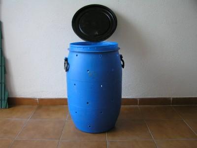 Como hacer un compostador casero con un bid n ikkaro - Plastico inyectado casero ...