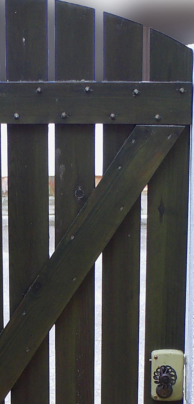 Como hacer unas puertas de jard n de madera ikkaro for Como hacer una puerta con machimbre