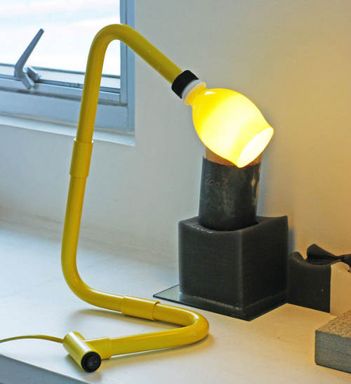 lamparas de PVC amarilla