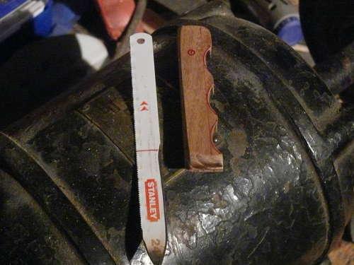 como hacer un cuchillo con una sierra