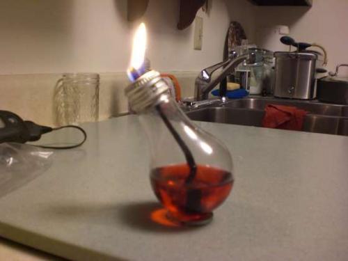 Como hacer l mparas de aceite con bombillas ikkaro - Como fabricar velas ...