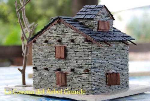casa de pizarra en miniatura ikkaro