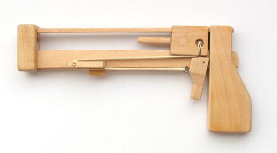 Cómo hacer una pistola de madera para jugar al Jenga - Ikkaro
