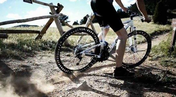 Bicicleta con ruedas ERW sin aire