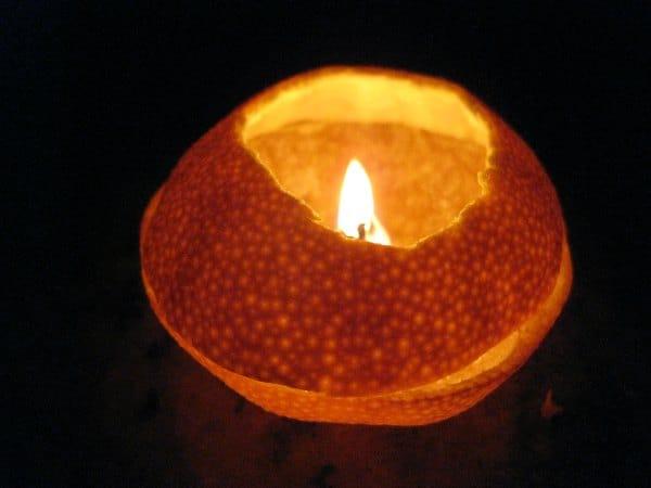 Como hacer una lámpara de aceite con una naranja
