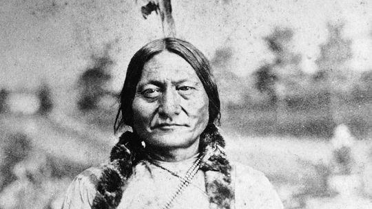 Toro Sentado, uno de los últimos indios libres que partició en el show de Buffalo Bill Cody