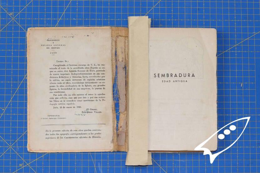 diferentes pasos para reparar un libro