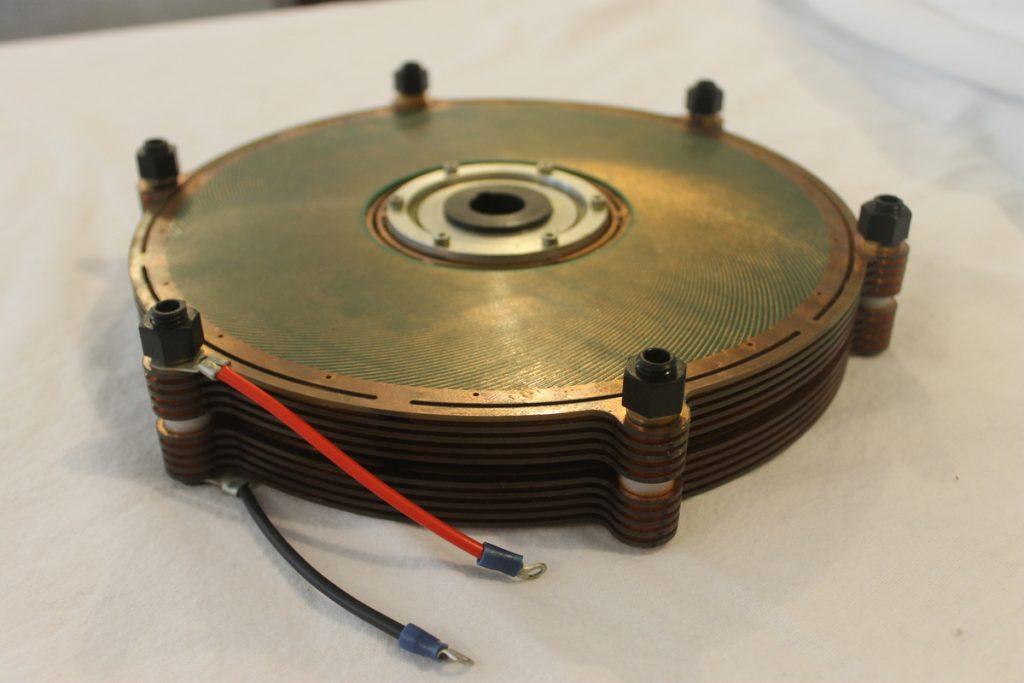 Revolucionario motor electrostático que aprovecha los campos eléctricos para funcionar