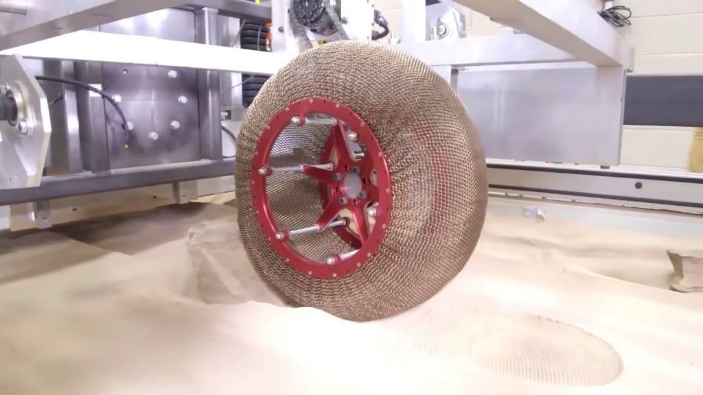 rueda neumática sin aire de la nasa