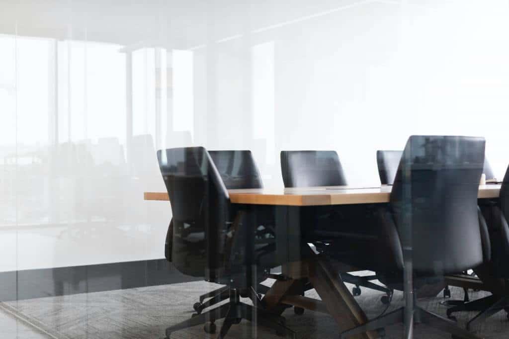 cómo se diseña y fabrica una silla de oficina