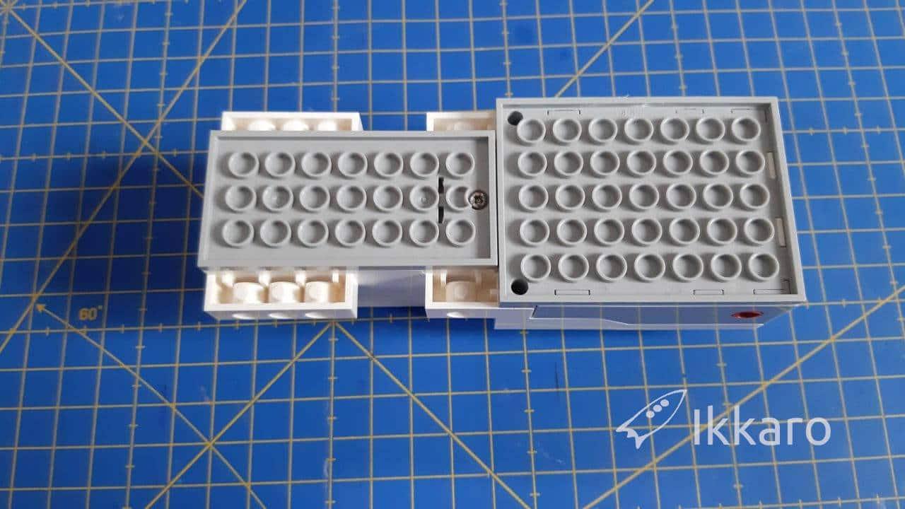 cómo cambiar las pilas al move hub de lego boost